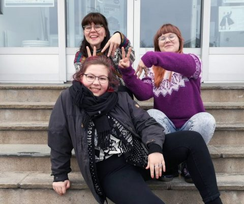 The Kveeni Girl Gang har fast spalte på Ruijan Radio